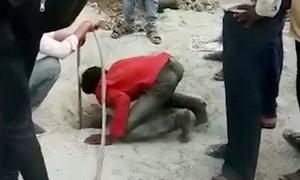 Mất gần 2 ngày để cứu bé 5 tuổi mắc kẹt trong giếng hẹp, sâu 11 m