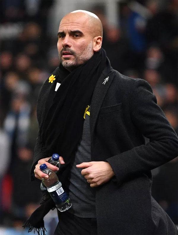 HLV Guardiola trong trận đấu gặp Stoke City. Ảnh: TS.