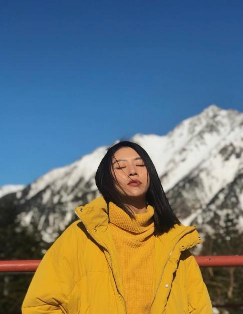 Đúng như mong đợi của Quỳnh Anh, thời tiết ngày thứ 2 đã thuận lợi hơn, nắng đẹp, khô ráo, trời xanh, tạo điều kiện thuận lợi cho cô nàng có một rổ những bức ảnh sống ảo.