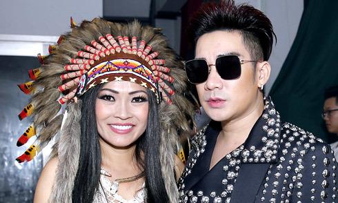 Quang Hà ấn tượng với trang phục thổ dân của Phương Thanh