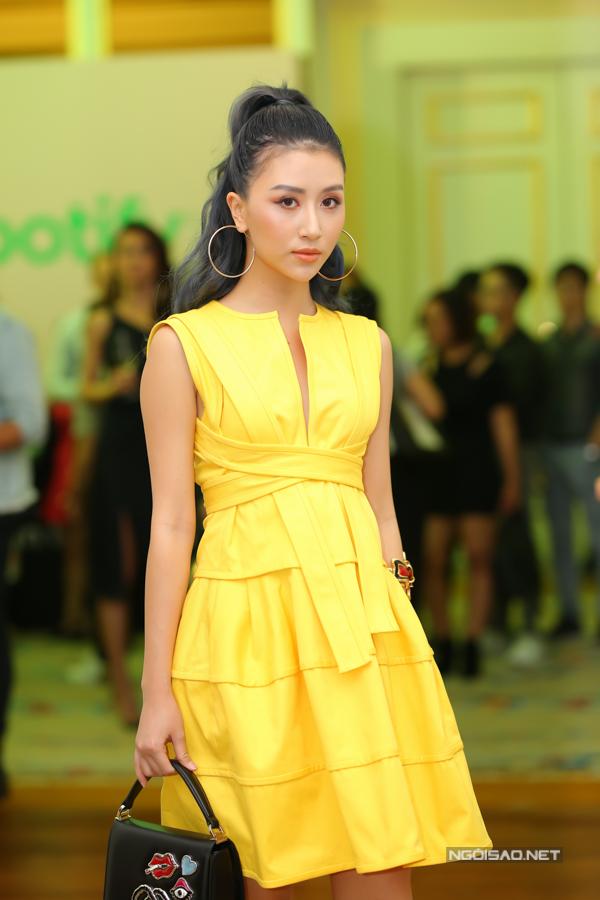Diễn viên Quỳnh Anh Shyn. Cô từng góp mặt trong bộ phim Đời cho ta bao lần đôi mươi do vợ chồng Tú Vi - Văn Anh sản xuất năm ngoái.