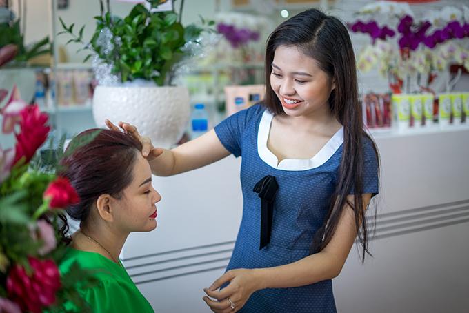 Lê Lộc nói, giờ cô chỉ muốn mẹ được vui và hạnh phúc, quên đi những chuyện buồn đã qua.