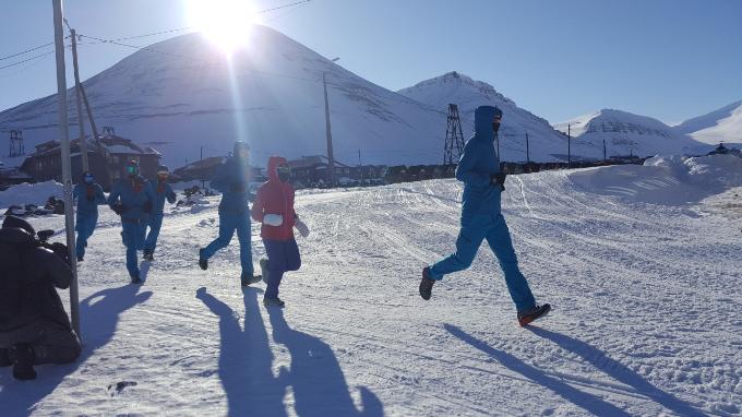 Đây là lần thứ hai liên tiếp Tập đoàn bảo hiểm FWD tài trợ chính cho cuộc thi Marathon Bắc Cực.