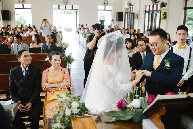 Hôn lễ của Bích Hà - Sze Kiet được tổ chức ở cả quê hương cô dâu và chú rể.