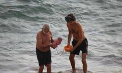 Sản phụ sinh con giữa Biển Đỏ