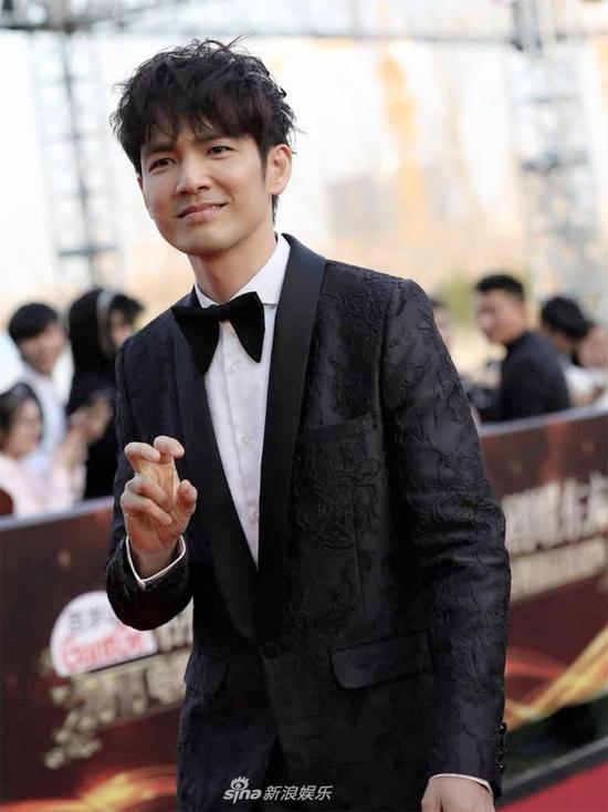 Nam diễn viên Chung Hán Lương.