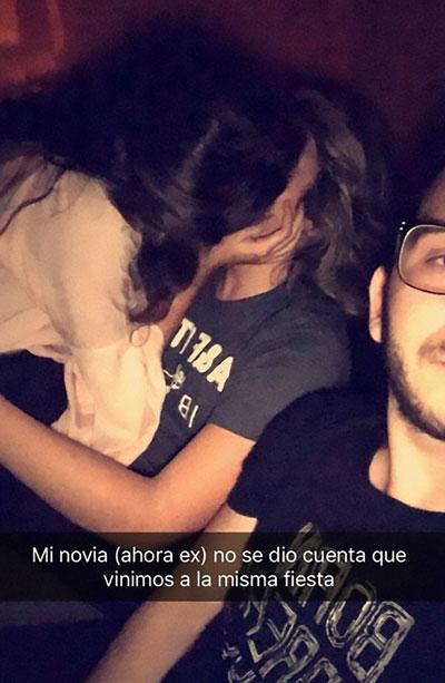Bắt quả tang bạn gái hôn kẻ khác, chàng trai lấy điện thoại ra selfie