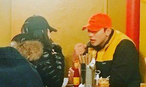 Vợ chồng Rain, Kim Tae Hee đi ăn đồ Việt ở Seoul