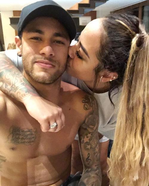Trên trang cá nhân hôm 12/3, Neymar chia sẻ ảnh chụp