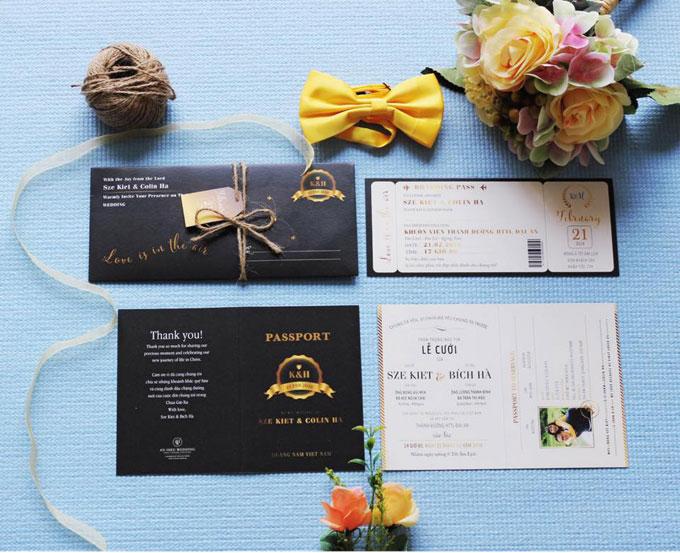 Khách mời tham dự tiệc cưới chính là hành khách trên chuyến bay, nhận được thiệp passport, boarding pass. Phi công lái chuyến bay không ai khác chính là phi công trẻ của Bích Hà, người mà từ nay cô sẽ gọi bằng chồng.