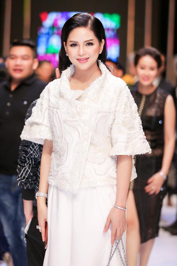 Hiện cựu diễn viên điều hành mộttập đoàn lớn với 30 công ty thành viên và hợp tác vớihơn 100 thương hiệu thời trang quốc tế. Thủy Tiên thường xuyên xuất hiện với vai trò khách mời tại các show thời trang đình đám.