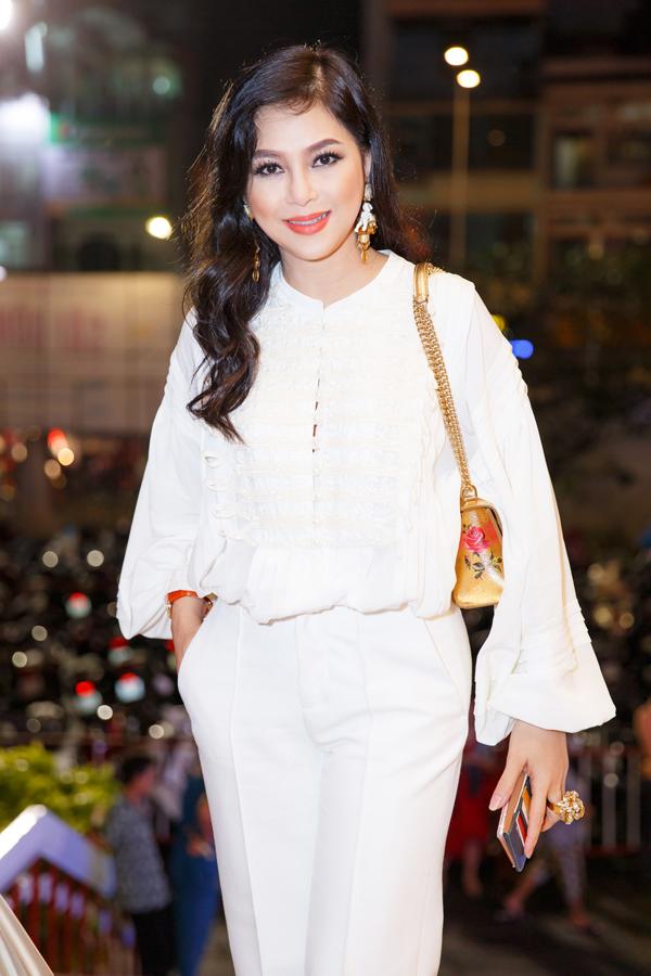 Ở tuổi 48, Thủy Tiên được nhiều người khen vẫn trẻ trung, xinh đẹp. Cô hiện có cuộc sống giàu sang, viên mãn bên ông xã đại gia và các con đã ở tuổi trưởng thành.