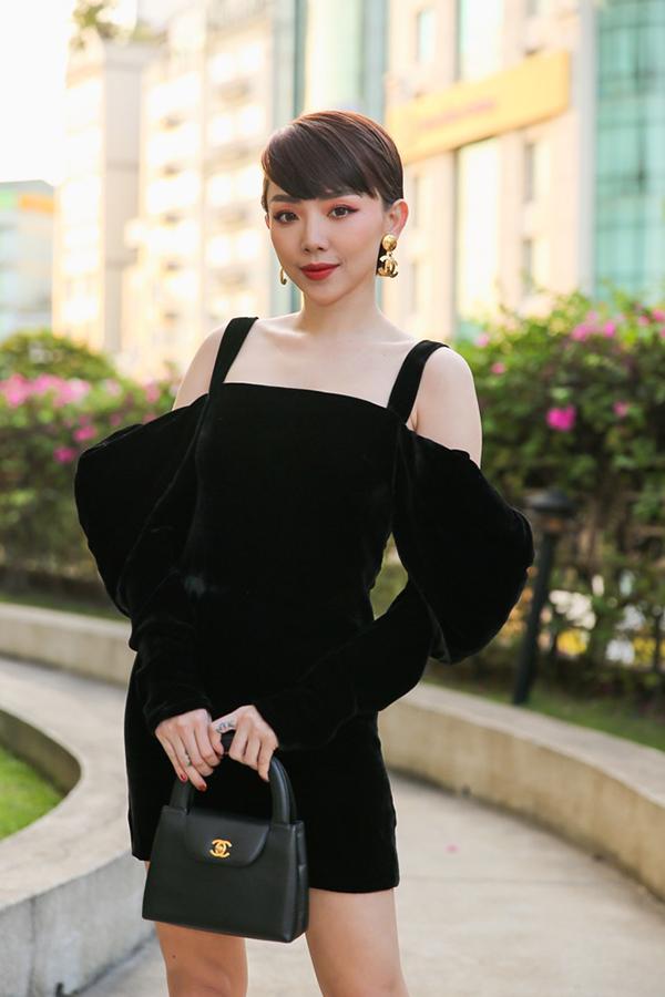 Việc xây dựng hình ảnh tốt giúp Tóc Tiên trở thành đại sứ của hơn 10 thương hiệu trong thời gian qua.