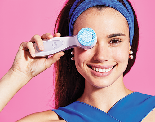 Thiết bị rửa mặt và chăm sóc da chuyên sâu ageLOC LumiSpa được phát triển từ công nghệ ageLOC độc quyền