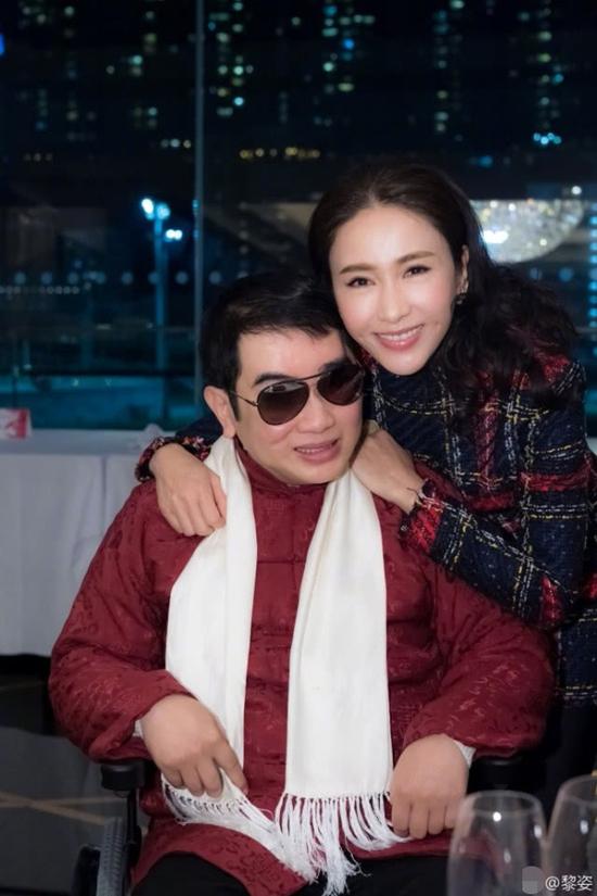 Em trai Lê Tư - Lê Anh cũng có mặt trong sự kiện của công ty. Thời điểm anh bị tai nạn, chị gái đã thay em chèo chống, duy trì hoạt động của Comax, giúp công ty phát triển như hiện tại.