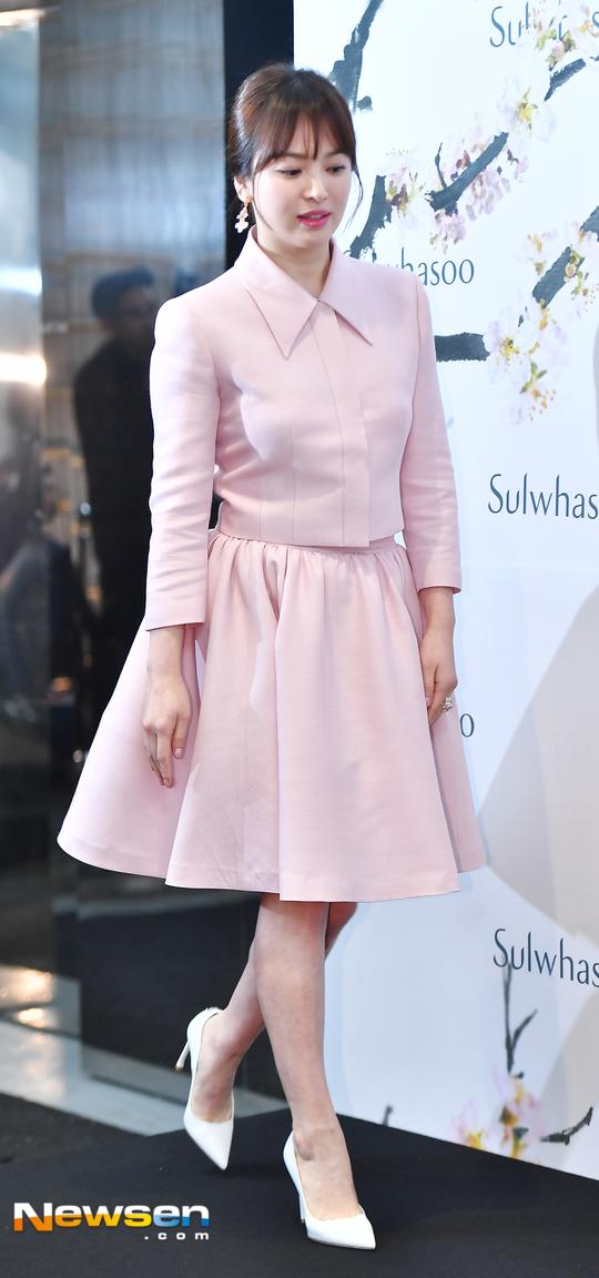 Song Hye Kyo được khen ngợi càng nhuận sắchơn, kể từ khikết hôn.