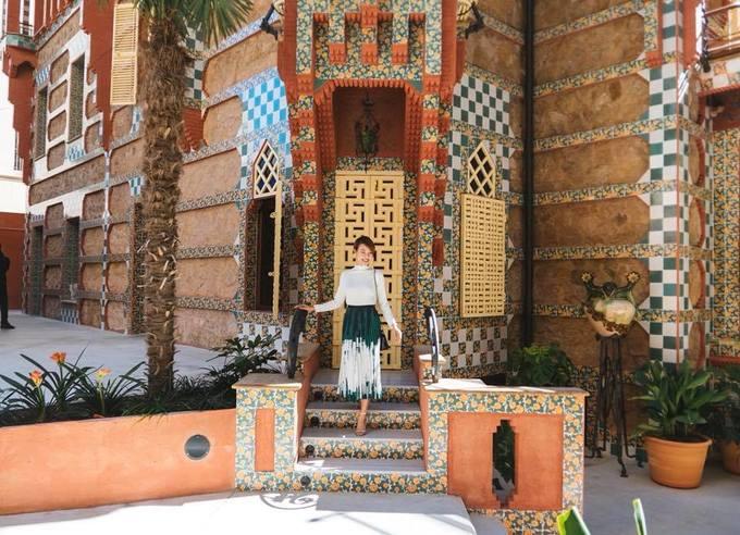 Chuyến du hí Tây Ban Nha đã đời của Hoàng Oanh \'Tháng năm rực rỡ\'