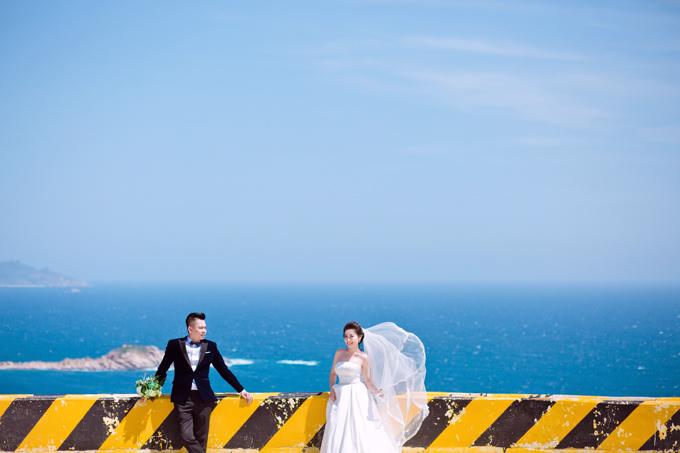 Theo cô dâu, chú rể, đi chụp ảnh cưới tuy mệt nhưng cũng là một trải nghiệm đặc biệt để cả hai thêm gắn bó với nhau.