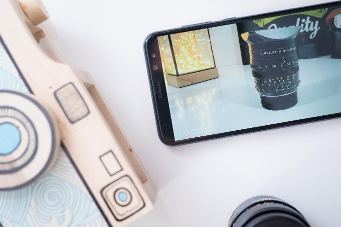 Huawei Nova 2i được trang bị bộ tứ camera gồm bộ đôi ống kính sau có độ phân giải 16MP và 2MP, bộ đôi ống kính trước 13MP và 2MP.