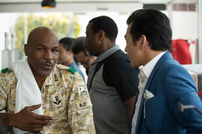 Mike Tyson vào vai soái ca, đối đầu Trần Bảo Sơn trong phim mới - 1