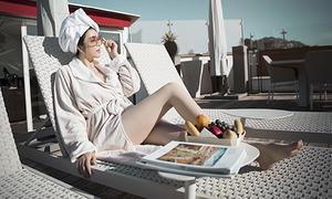 Lý Nhã Kỳ mặc sexy, tận hưởng cuộc sống ở khách sạn đắt đỏ hàng đầu thế giới