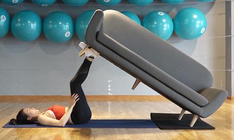 15 phút tập luyện với sofa hiệu quả như cả giờ chạy bộ