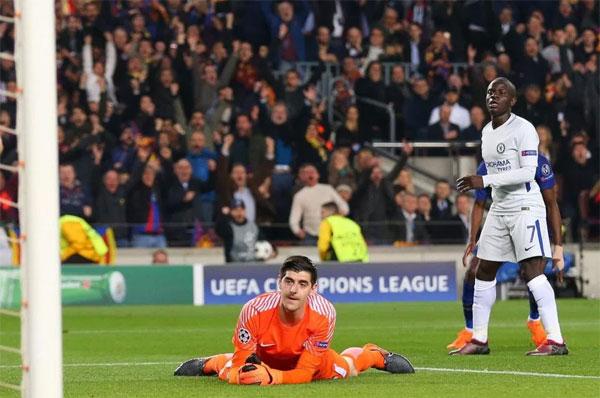 Thủ môn Chelsea thành trò cười vì hai lần bị Messi xâu kim - 8