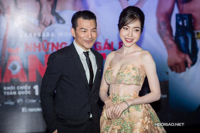 Elly Trần khoe ngực khủng, sóng đôi bên Trần Bảo Sơn - 1