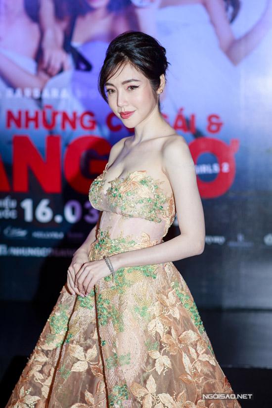 Elly Trần khoe ngực khủng, sóng đôi bên Trần Bảo Sơn - 3