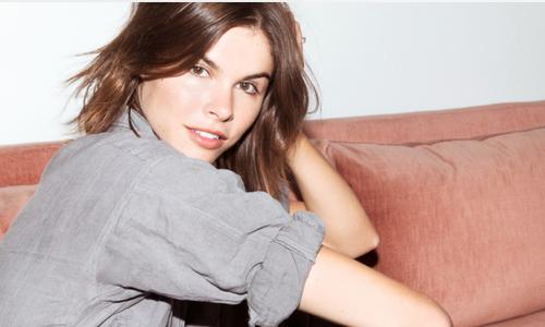 CEO nữ xinh đẹp của Glossier, startup mỹ phẩm hàng đầu thế giới