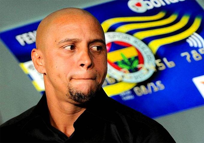 Roberto Carlos đuổi vợ cũ và hai con ra khỏi nhà