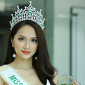 Hoa hậu Chuyển giới Hương Giang trả lời trực tuyến