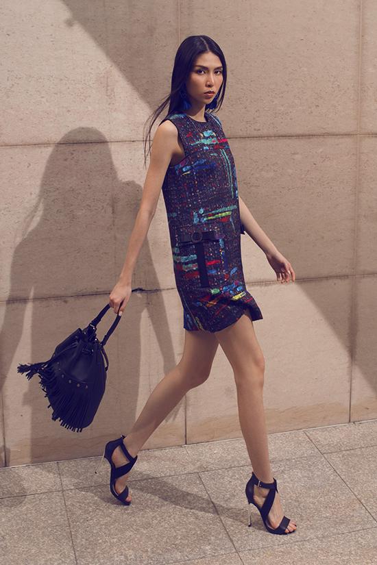 Thời trang xuân hè luôn đánh dấu sự lên ngôi của những tông màu rực rỡ. Mùa thời trang năm nay các nhà mốt còn cho ra đời nhiều bộ sưu tập được lấy cảm hứng print mix phối hoạ tiết.