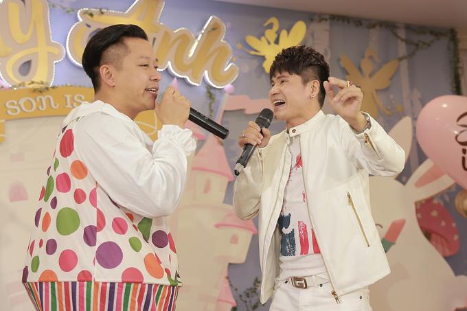 Rất nhiều nghệ sĩ đã đến dự tiệc sinh nhật 1 tuổi của con gái Tuấn Hưng, trong đó có ca sĩ Lương Gia Huy.