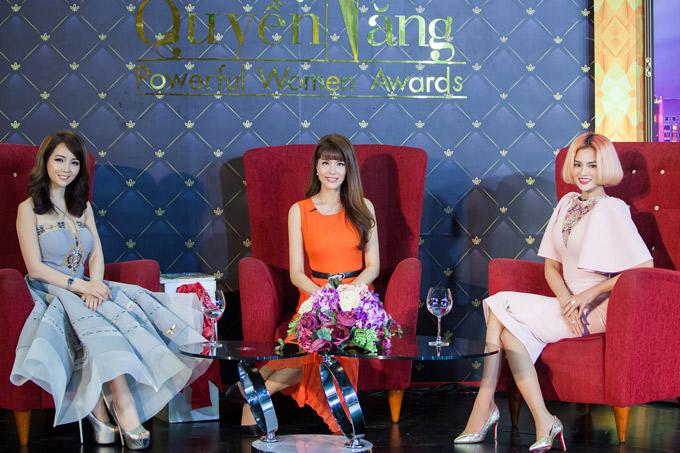 Vũ Thu Phương có giai đoạn thành công rực rỡ trên sàn diễn nhưng năm 2011, cô bất ngờ tuyên bố giải nghệ người mẫu, chuyển sang làm nhà thiết kế. Người đẹp chưa từng tiết lộ lý do cô rút lui khỏi ánh hào quang.