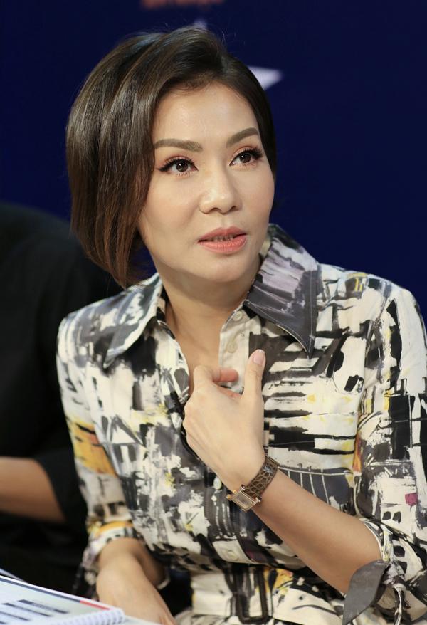 Nữ ca sĩ cho biết Steps2Fame là chương trình truyền hình thực tế duy nhất cô tham gia trong năm nay. Thu Minh tiết lộ mới cắt tóc, quay về kiểu đầu cá tính mà chồng Tây rất thích.