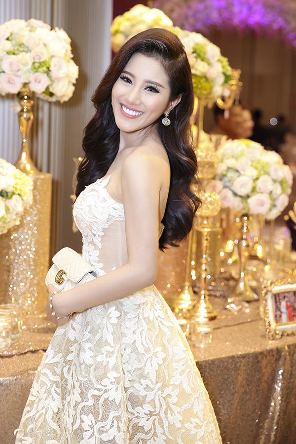Tố My là Á quân Solo cùng Bolero 2015, lớn hơn em gái hai tuổi. Cô có giọng hát ngọt ngào, hao hao ca sĩ Như Quỳnh.