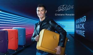 Cristiano Ronaldo làm đại sứ thương hiệu vali American Tourister năm 2018