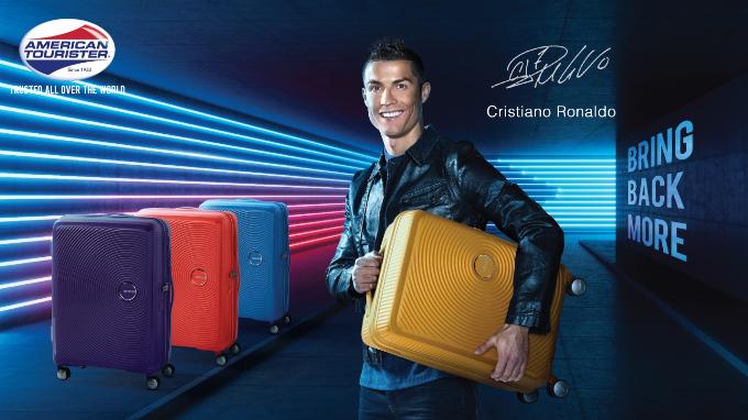 Cristiano Ronaldo làm đại sứ thương hiệu vali American Tourister năm 2018 - 1