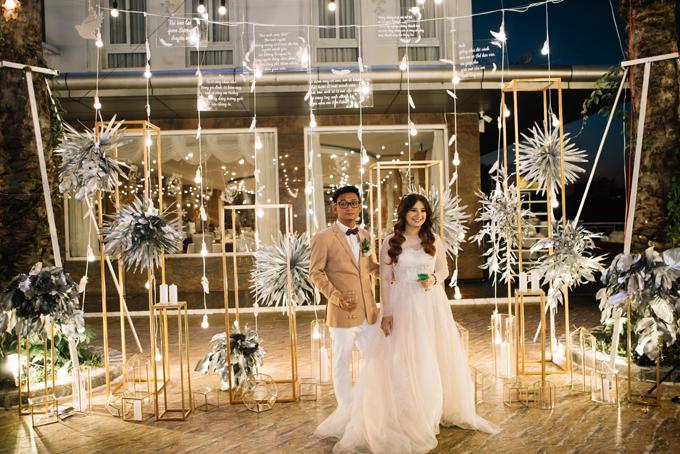 Toàn bộ ý tưởng và thực hiện tiệc cưới của Kim Ngọc - Vĩnh Sương doBy Kiethoney Wedding Planner & Decoration phụ trách.