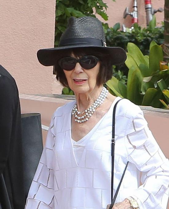 Vốn là một người kinh doanh thời trang nên bà Mary có gu ăn mặc tinh tế và thanh lịch.