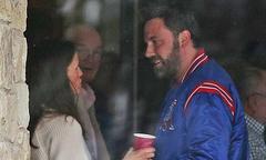 Ben Affleck vui vẻ hội ngộ vợ cũ vào ngày cuối tuần