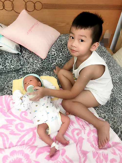 Mấu chốt để giải toả những căng thẳng trong đời sống vợ chồng chính là cầu nối bởi đứa con, Hoàng Rapper chia sẻ.