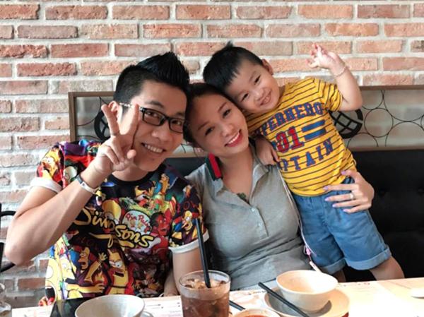 Gia đình nhỏ của nghệ sĩ Hoàng Rapper vừa đón thêm thành viên mới chào đời, bé Bene, hôm 12/3.