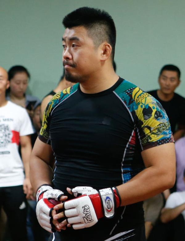 Võ sĩ MMA Từ Hiểu Đông. Ảnh: GM.