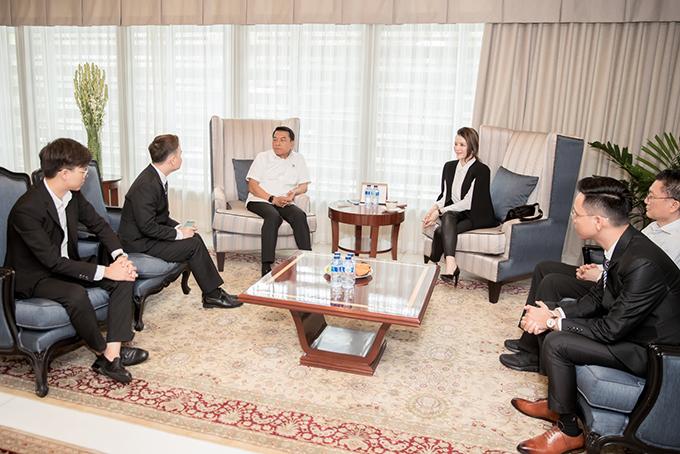 Ngoài việc trao đổi mối giao thương giữa doanh nghiệp LYNK của nữ doanh nhân Lý Nhã Kỳ với các doanh nghiệp Indonesia, hai bên đã có những trao đổi về cơ hội kết nối giao thương giữa các doanh nghiệp của cả hai nước.