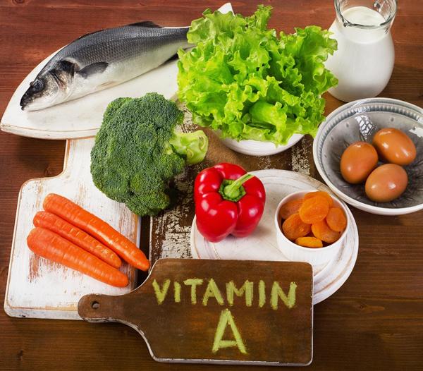 Tăng cường vitamin A trong thực đơn qua các loại thực phẩm như cá, rau củ