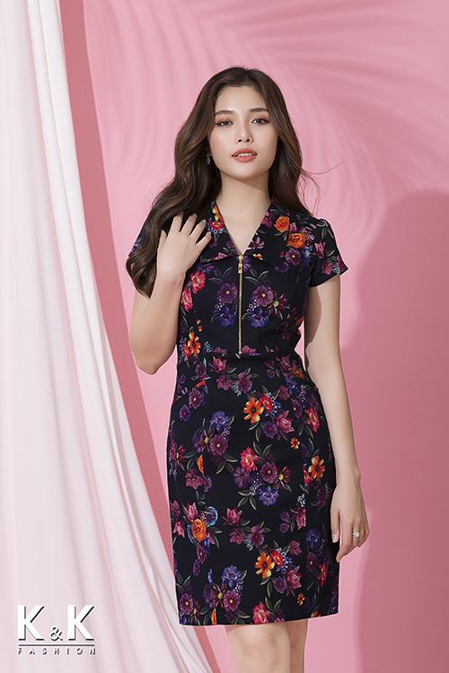 Đầm họa tiết hoa nhiều màu phối dây kéo đồng KK72-28 giá 420.000 đồng.
