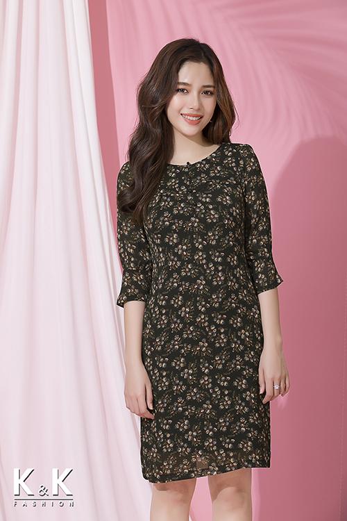 Đầm suông họa tiết hoa tay lửng KK72-34 giá 420.000 đồng.