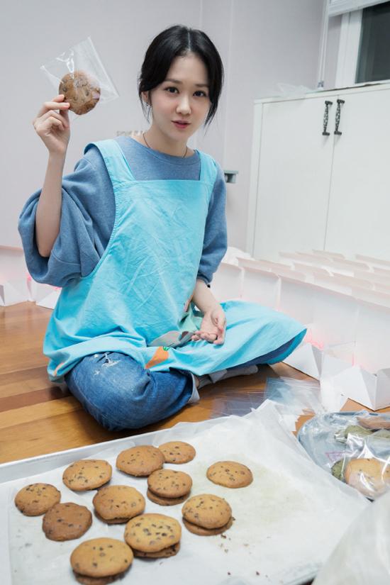 Jang Nara đón tuổi 37 với nhan sắc không tì vết - 1